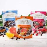Lindt Sensation Fruit malinové a brusnicové dražé v horkej čokoláde 150g