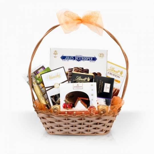 "Gift Basket ""Sweet Compliment"""